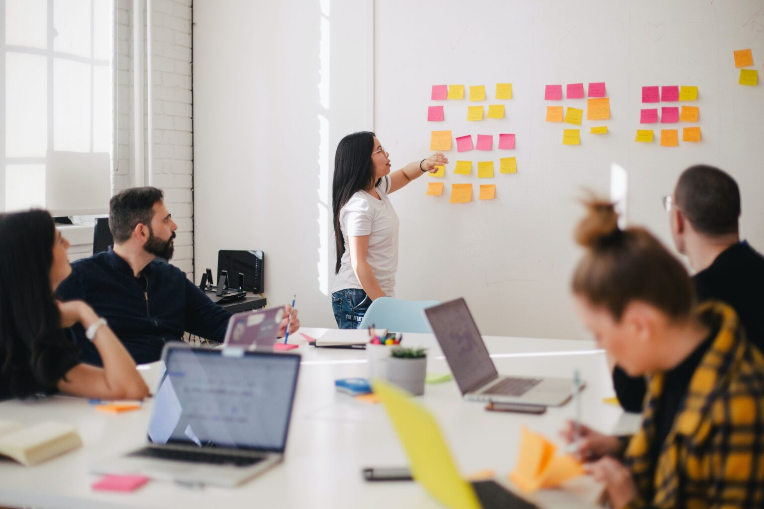 Delegating responsibilities: the secret to running a successful virtual event | The Green Room – A Zoho Backstage Publication